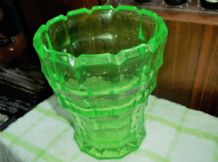 "GOOD SIZE ART DECO GREEN VASELINE THICK GLASS VASE CASTELLATED RIM 6.5"" GEOMETRI"